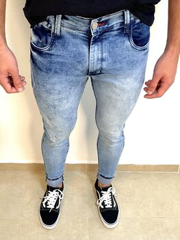 Calça Jeans Clara Estonada Skinny Masculina